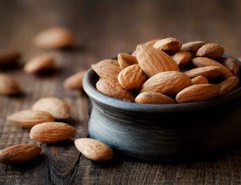 Четири придобивки од често консумирање бадеми